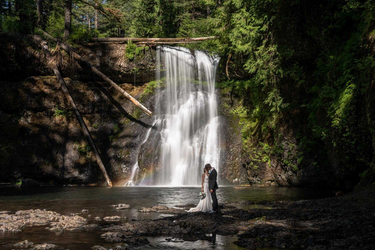 Trail of Ten Falls Waterfall Elopement Oregon