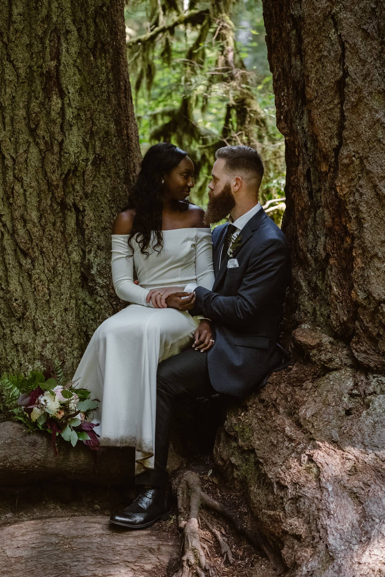 Bride and Groom kissing at Olympic National Park Elopement
