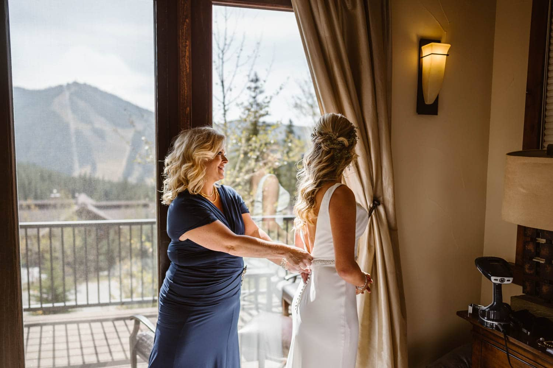 Bride and Mom at Colorado AirBnB Elopement
